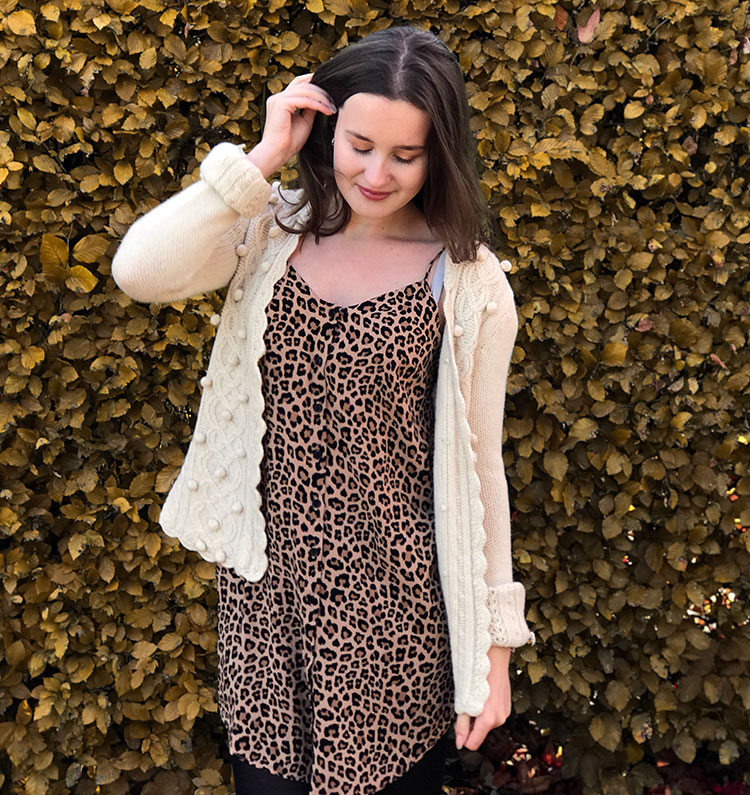 Leopard dress with buttons