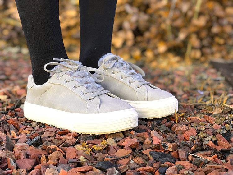 Grijze sneakers met nep bontje | Goedkoop!