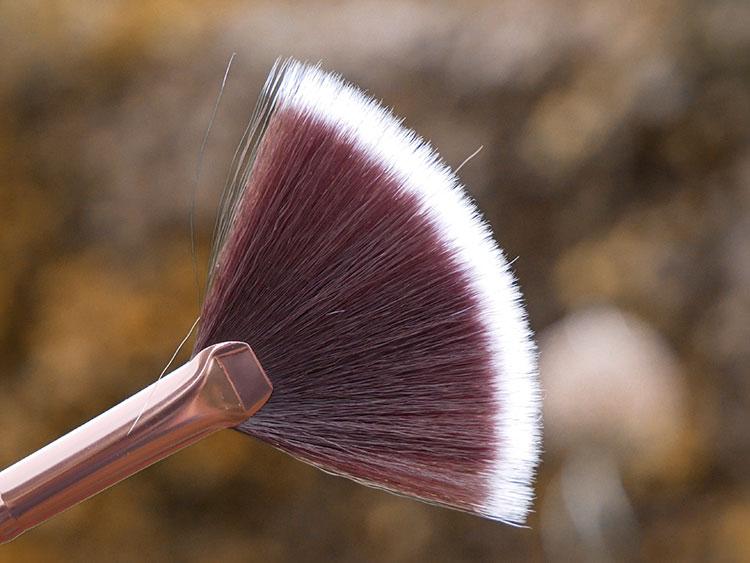 Luxie brush